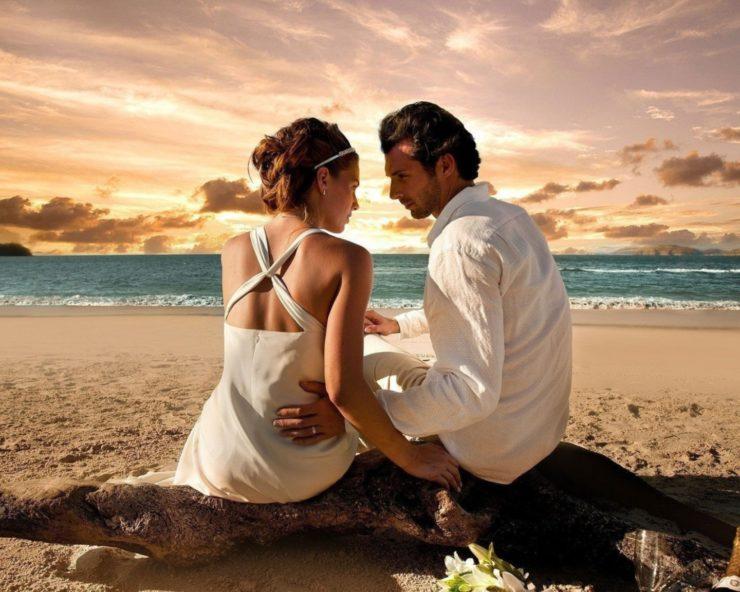 couple-on-the-beach-beach-832032758